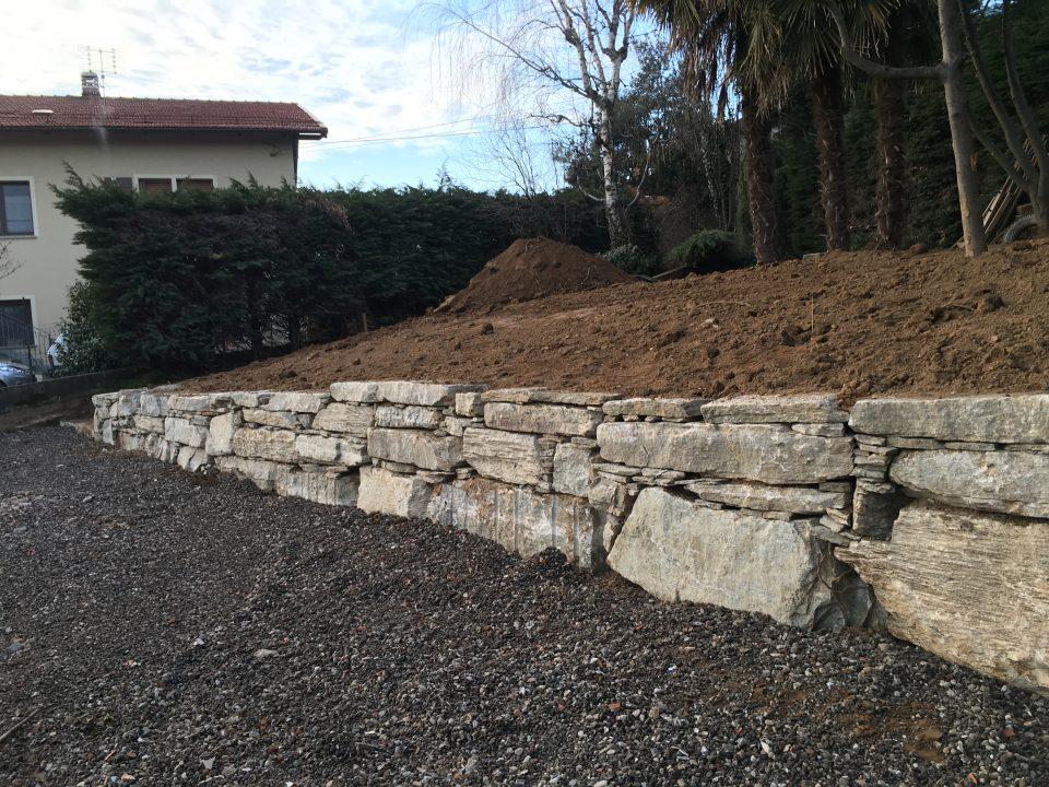 Realizzazione piazzale e scogliera in pietra di Luserna