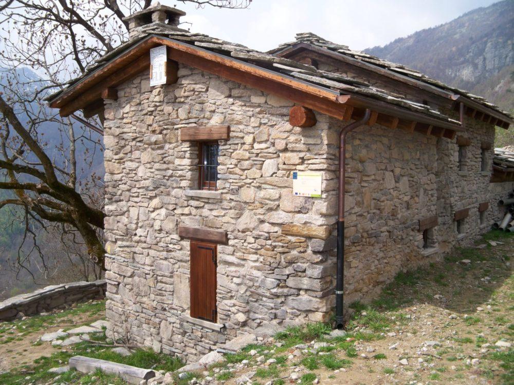 Ristrutturazione ex-novo Baita in pietra